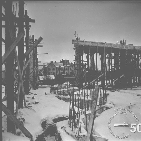 Строительная площадка Государственного музея К.Э. Циолковского. Вид снизу с южной стороны
