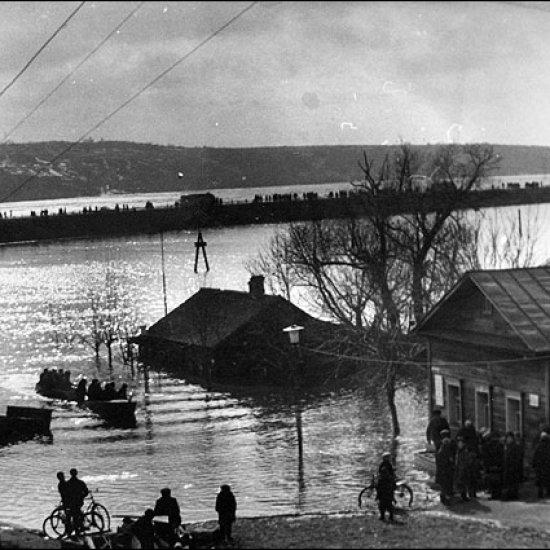 Дом-музей К.Э. Циолковского во время наводнения принимает посетителей.