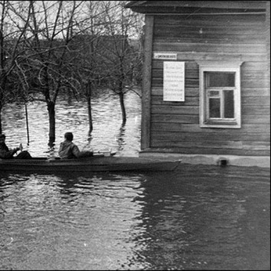 Дом-музей К.Э. Циолковского во время наводнения.