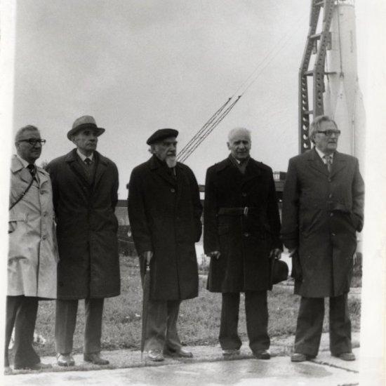 Группа ветеранов советской ракетной техники в Калуге. На снимке слева направо: С.И. Козлов, А.И. Полярный, В.А. Сытин, И.А. Меркулов, А.Ф. Нистратов.