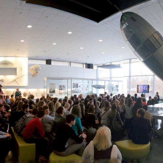 Встреча калужских студентов и школьников с участником программы «Марс  — 500» (эксперимент по имитации пилотируемого полёта на Марс, проведённый Россией с широким международным участием), научным сотрудником Института медико-биологических проблем РАН А.Е. Смолеевским.
