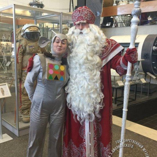 Визит в музей истории космонавтики Деда Мороза из Великого Устюга.