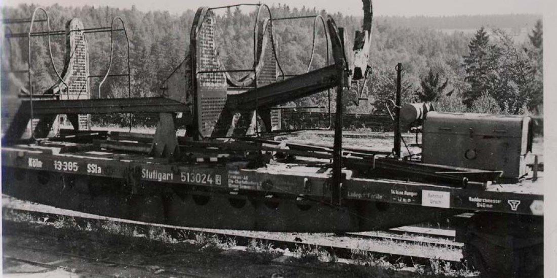 Специальный поезд с железнодорожным установочным агрегатом ракеты А-4 («Фау-2»)