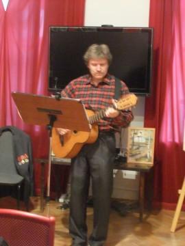 Автор и исполнитель песен В. Иванов, г.Таруса