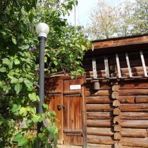 Во дворе Дома-музея К.Э. Циолковского в Калуге