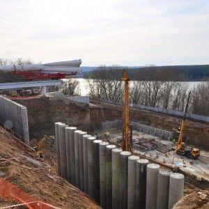 Первые стены — здание второй очереди ГМИК им. К.Э. Циолковского начало расти вверх. 8 апреля 2015 года.
