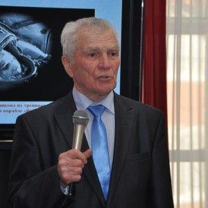 О клубе юных космонавтов рассказывает Р.С. Нечипоренко