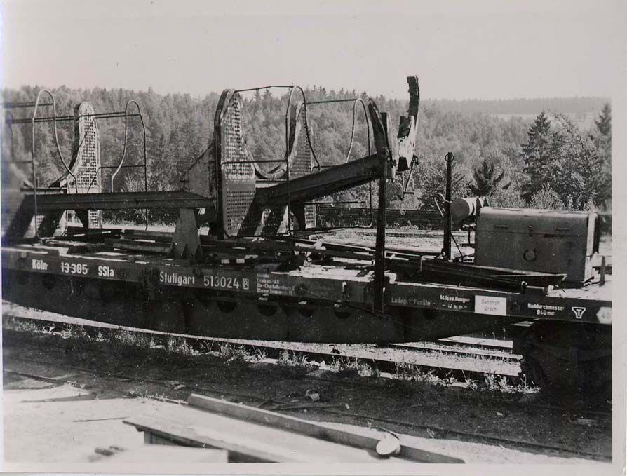 5.Специальный поезд с железнодорожным установочным агрегатом ракеты ФАУ-2.
