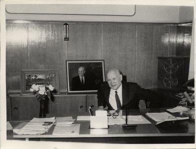В.Н. Челомей в рабочем кабинете