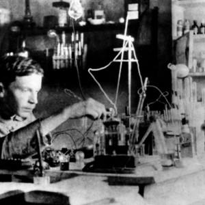 А.Л. Чижевский за научным экспериментом. Калуга. 1914 год