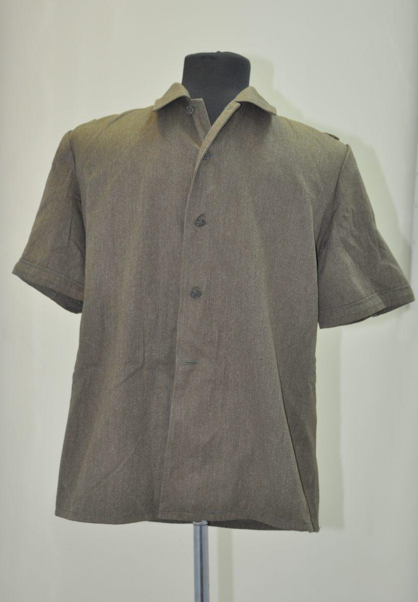 Рубашка от комплекта облегченной полевой формы одежды для военнослужащих в районах с жарким климатом.
