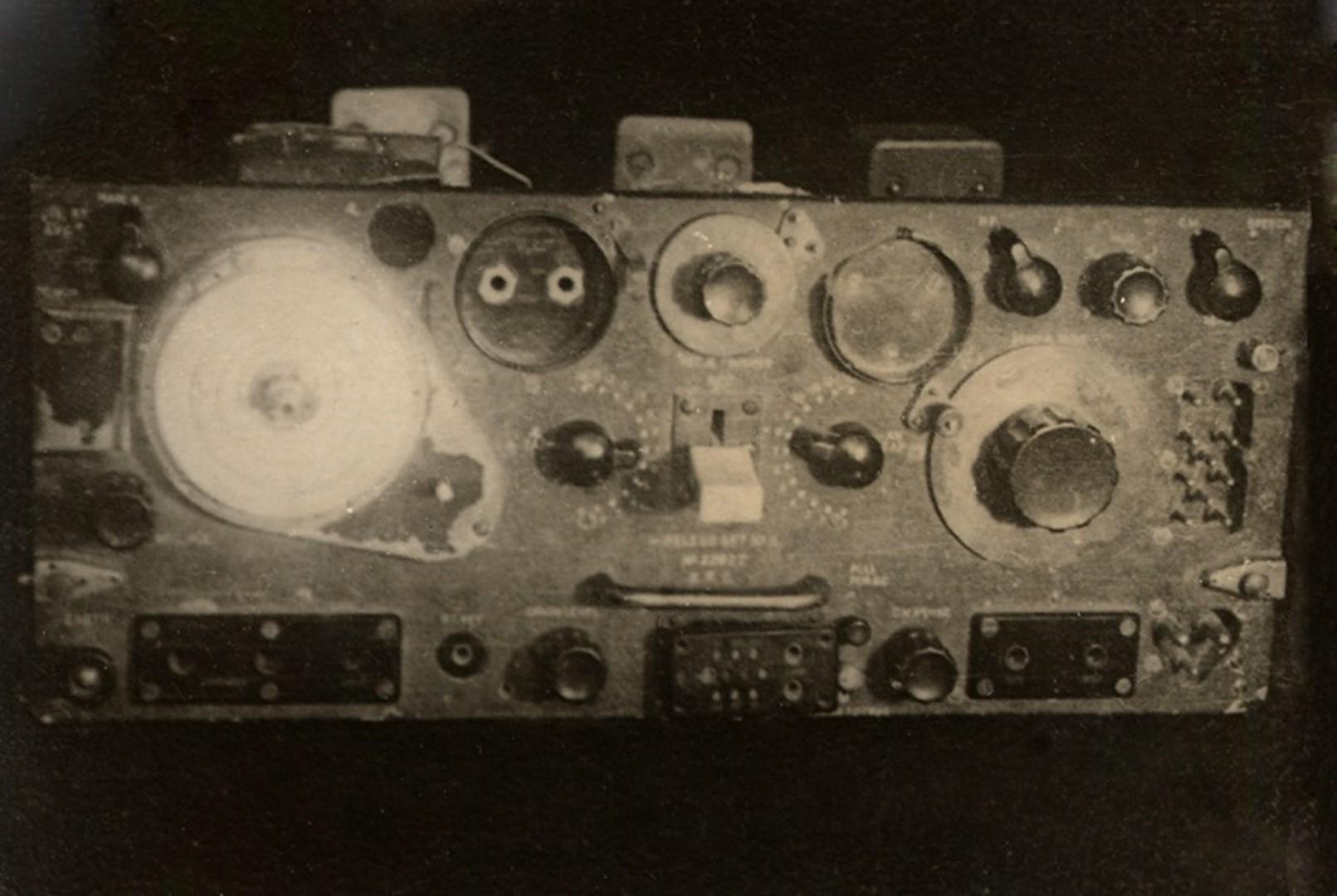 Один из приборов системы радиоуправления курсом ракеты А-4 («Фау-2»). Фото Ю.А. Победоносцева. Польша, Дебице. 1944 г.