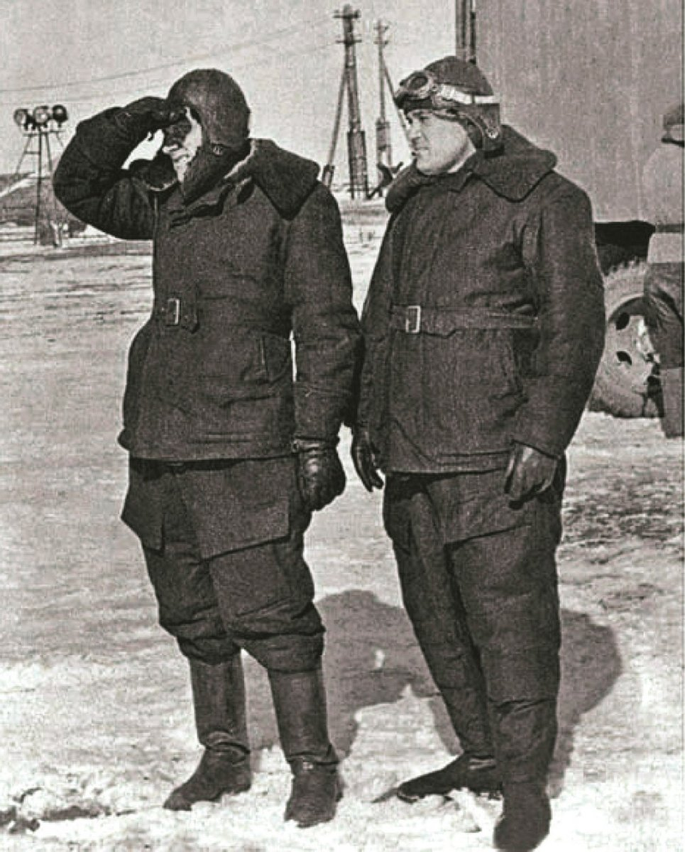 Н.А. Пилюгин и С.П. Королёв. Капустин Яр. 1947 г.