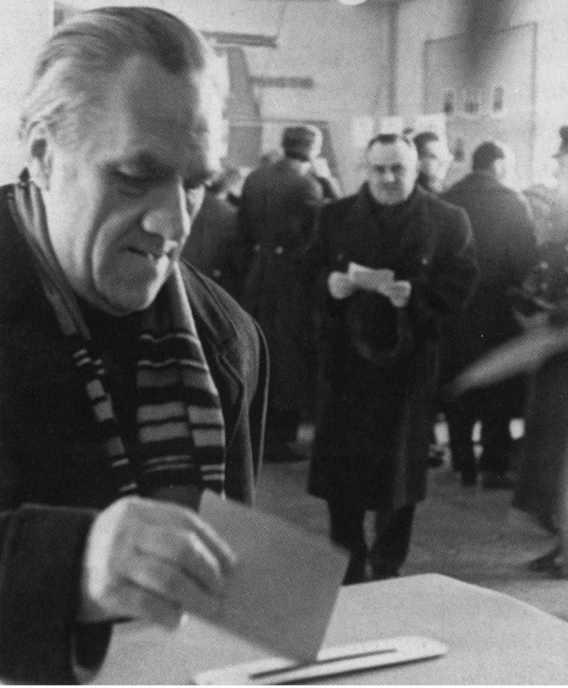 Н.А. Пилюгин и С.П. Королёв на выборах в Верховный совет СССР. г. Байконур. 1962 г.
