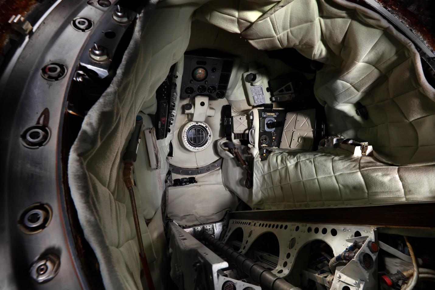 Кабина спускаемого аппарата космического корабля «Восток-5»
