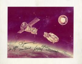 Момент сближения КК (космических кораблей) «Союз» и «Аполлон».