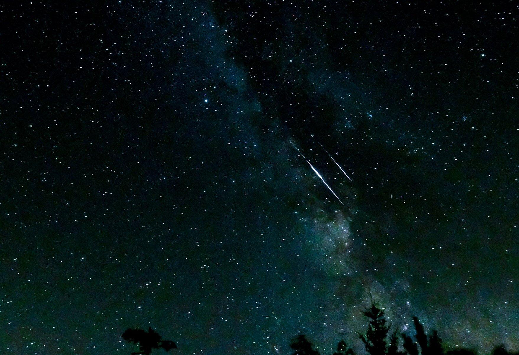 shooting-stars-3607859_1920